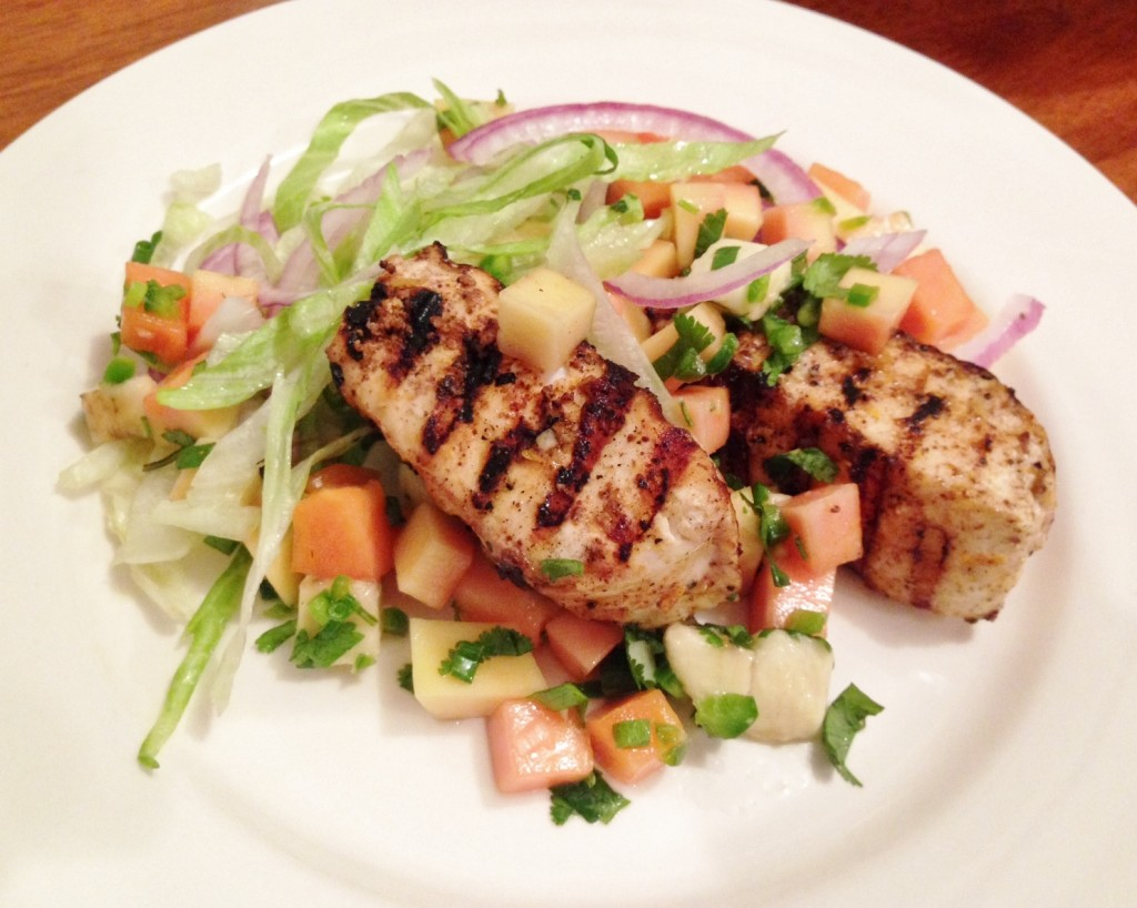 Gluten free grilled fish salad with fruit salsa gluten for Fruit salsa for fish