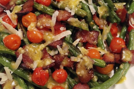 Gluten Free Roasted Green Beans with Bacon